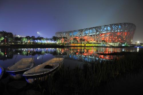 """8月7日晚,国家体育场——""""鸟巢""""静谧美丽."""