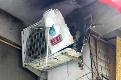 长虹空调室外机爆炸砸伤一店员头部